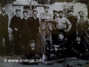 Joseph de Bucy founder of Cérès with his young work force www.energic.info