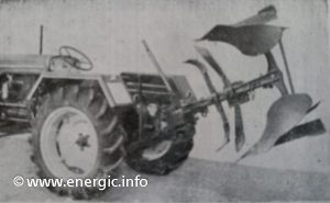 Energic tracteur 519 equipped with a Brabant Mono soc plough 1/2 turn (Energic-Huard) www.energic.info
