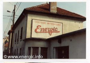 Energic logo on the side of a house in Villefranche-sur-Sâone www.energic.info