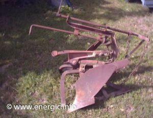 Energic motoculteur attachments - plough www.energic.info