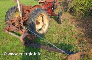 Energic tracteur 512 12cv. with rear cutter bar. www.energic.info