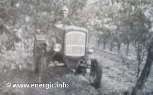Energic Tracteur 519 in action in a orchard. www.energic.info